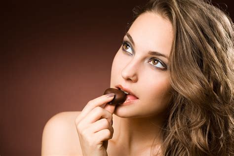 eat chocolate how chocolate promotes your mood and wellbeing gifts ready to go