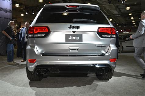 trackhawk jeep black new york 2017 jeep grand cherokee trackhawk gtspirit