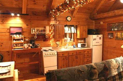 Cabinet Makers Sandusky Ohio by Cabin Rentals Ohio Maple Cabin Ash Ridge Cabins