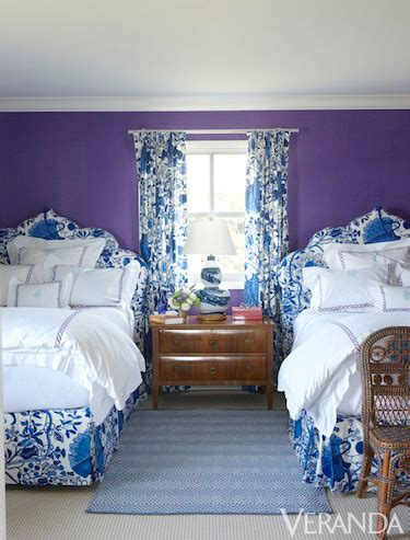 How To Decorate A Blue And White Bedroom by 8 Ways To Decorate With Blue And White Blue And White Decor