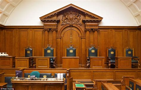 judges on judging views from the bench مغامر يقتحم أماكن ممنوع دخولها في لندن قبو نبيذ الملك