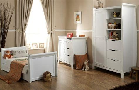 weißer kleiderschrank 2 türig kleiderschrank design babyzimmer