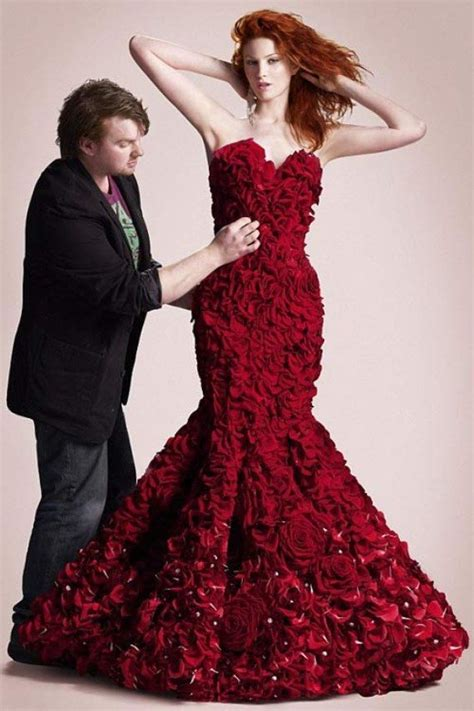 Rosse Flowerist Dress Dresses Made Up Of Real Flowers You Didn T