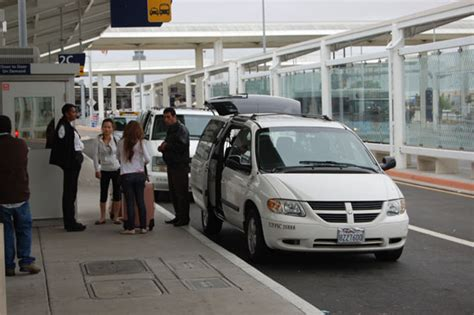 Airporter Shuttle by Sfo And Oakland Airport Transfers