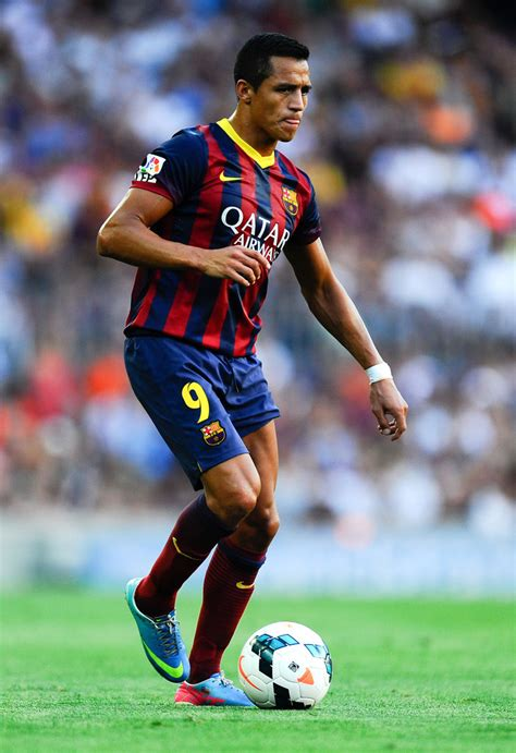 alexis sanchez on barcelona alexis sanchez photos photos fc barcelona v levante ud