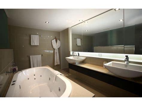 Spa Tubs For Bathroom Classic Bathroom Design With Spa Bath Using Glass