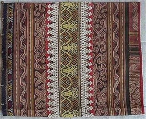 Kain Batik Kaltim 12 kain tenun kalimantan timur benda kerajinan tangan suku