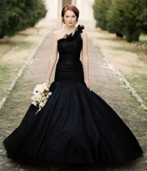 Schwarzes Brautkleid by Fresh By Wedding Dresses In Colour