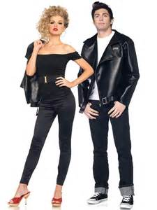 6 costumes for couples