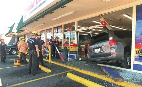 Plaid Pantry Locations by Suv Crashes Into Plaid Pantry Store East Pdx News