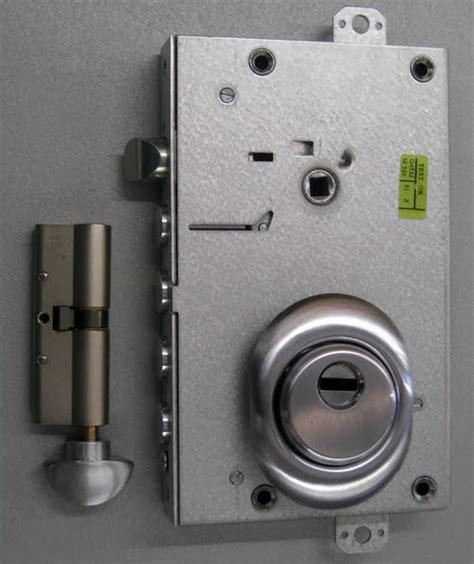 sostituzione cilindro europeo porta blindata fabbro verona sostituzione serrature porte blindate