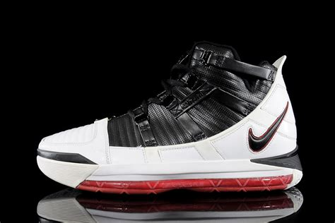 the lebron sneakers history of lebron signature shoes si