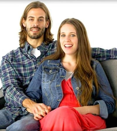 what job does derrick dillard have jill duggar frightening health concern revealed the