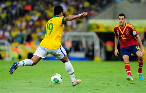 brasil vence espanha por 3 a 0 e conquista copa das