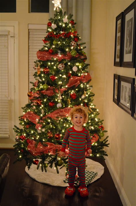 how to decorate with wide ribbon on xmas trees 44 awesome tree decorations with mesh decoration