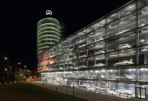 mercedes showroom file mercedes benz showroom 2 jpg