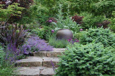 Viet Garden A Deer Garden Mosaic Gardens Journal