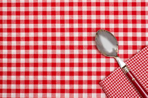 pattern photoshop xadrez checkered table cloth with red and white checks and a