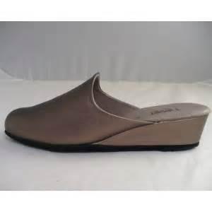 pantoufles femmes cuir grandes et petites pointures