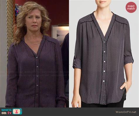 wornontv vanessas geometric printed  neck blouse
