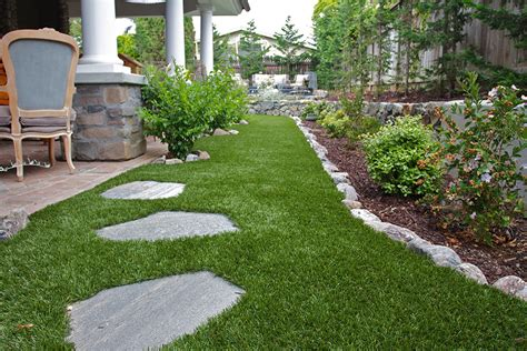 Astro Turf Backyard by Triyae Grass Yards Various Design Inspiration