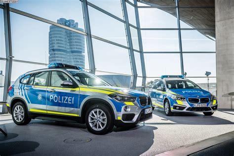 Auto Folierung Polizei by Bmw Streifenwagen In Blau Und Neongelb F 252 R Die Polizei Bayern