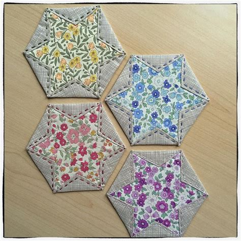 Hexagon Patchwork Projects - 1000 ideas about fabric coasters on mug rugs