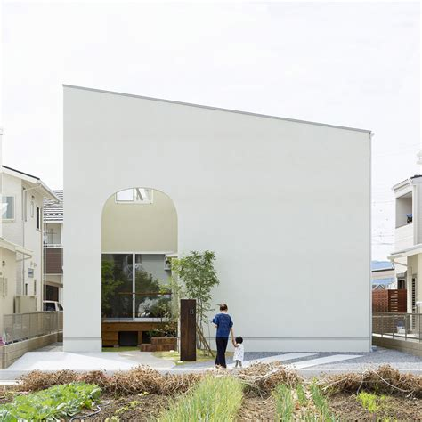 japan home design magazine alts design office uses arches and throughout outsu house in japan sig nordal jr