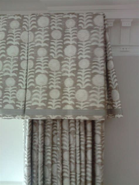 curtain box valance 25 best ideas about box pleat valance on pinterest