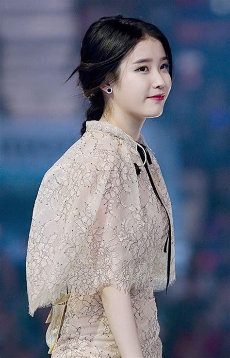 song wiki file iu at melon awards 13 november 2014 01 jpg