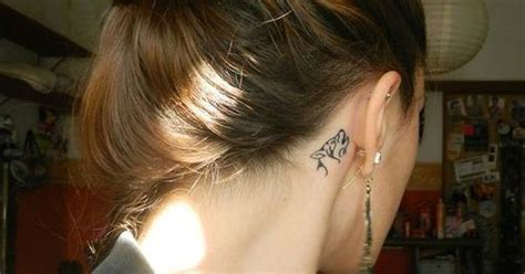 wolf tattoo behind ear cool wolf tattoo idea behind the ear tattoos pinterest