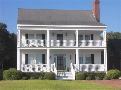 Colonial House Plans With Porch by Colonial Style House Plan 3 Beds 2 Baths 2044 Sq Ft Plan