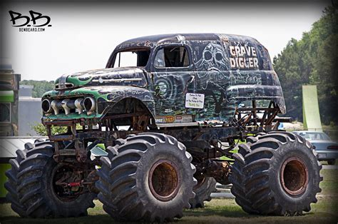 old monster truck videos classic digger old rusted grave digger monster truck