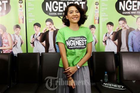 film indonesia ngenest lala karmela main film ngenest foto 8 1629462