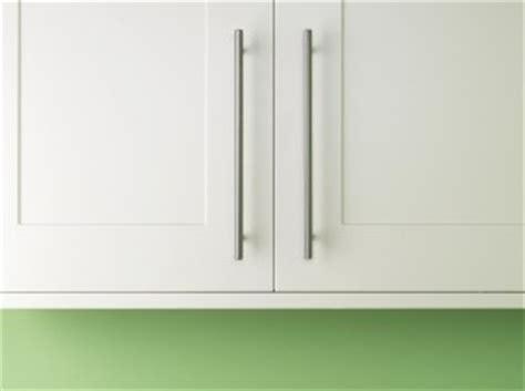 Fitting Kitchen Cornice fitting kitchen unit cornice and pelmet