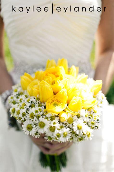 yellow and white wedding stadium flowers