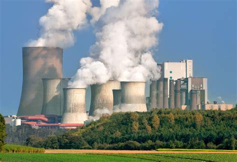 coal burning power plants supreme court freezes obama s plan to cut co2 emissions
