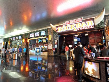 rock top bar and grill top bars with beer pong in las vegas 171 cbs las vegas