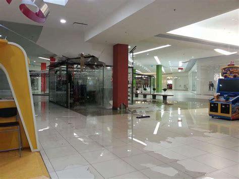 le porte di napoli centro commerciale afragola la pioggia incessante non risparmia nemmeno il