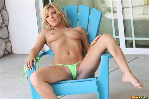 niki lee young green micro bikini 31916