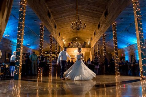 wedding venue prices minnesota this piggy catering gorgeous minnesota barns cottage grove mn