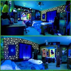 Black Light Bedroom Ideas I Need Help Finding A Wall Color For A Blacklight Bedroom Theme