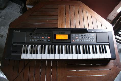 Keyboard Roland E09 Baru roland e 09 image 611977 audiofanzine