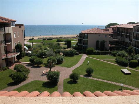 Incroyable Appartement En Rez De Jardin #2: location-appartement-londe-les-maures-rez-de-jardin-sur-la-plage-de-la-baie-des-iles.jpg