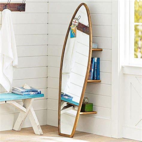 kinderzimmer hange deko spiegel mit holzrahmen in surfbrett form at home