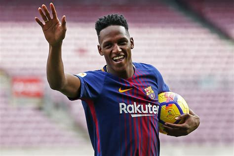 yerry mina yerry mina has an important part to play in barcelona s