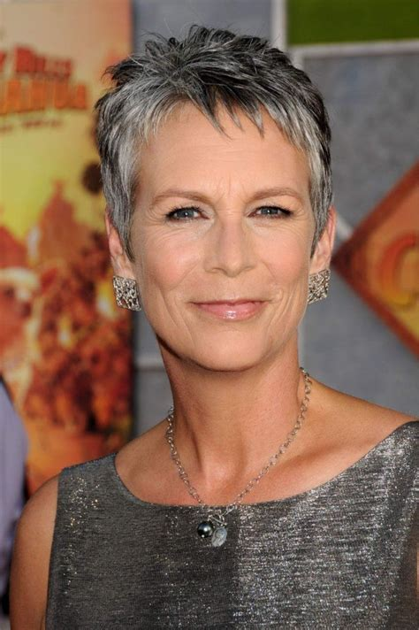 jamie lee curtis so awesome i couldn t deceide if true jamie lee curtis a fine exle of how to age gracefully