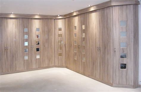 Fitted Wardrobes Ideas by 22 Fitted Bedroom Wardrobes Design To Create A Wow Moment