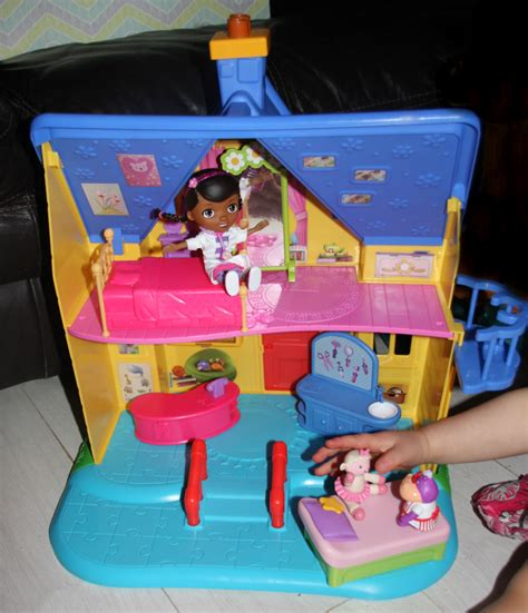 doc mcstuffins outdoor playhouse the doc is in clinic a review of the doc mcstuffins