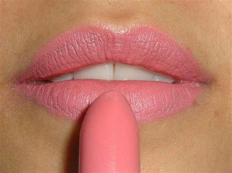 mac matte pink lipsticks mac quot me quot lipstick looks beautiful want m a